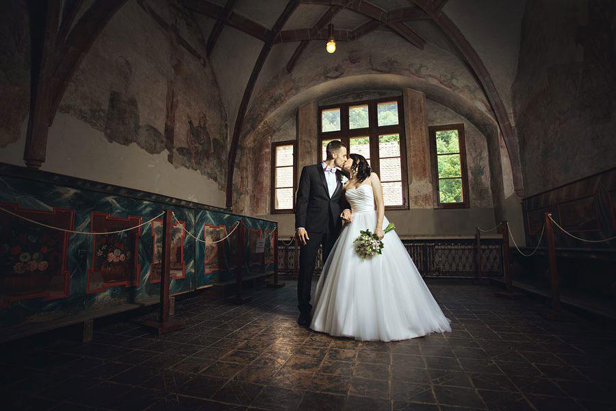 75c757408 Budúci mladomanželia dnes uprednostňujú svadbu podľa svojich predstáv.  Obľúbenými sa stali netradičné svadobné obrady, nezvyčajné miesta a ...